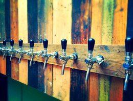 Zakaj imamo raje točeno pivo, kot tistega iz steklenice?