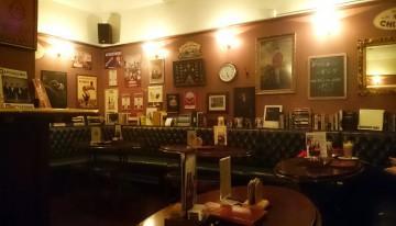 Pestra ponudba in znanje o pivu – Sir William's pub, Ljubljana