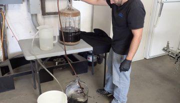 Je potrebno pretočiti v drug fermentor?